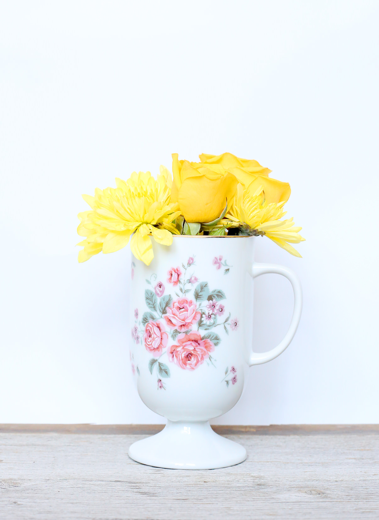 Color block your floral arrangements to make them look fresh and fancy! Add a teacup as your vase for extra elegance!
