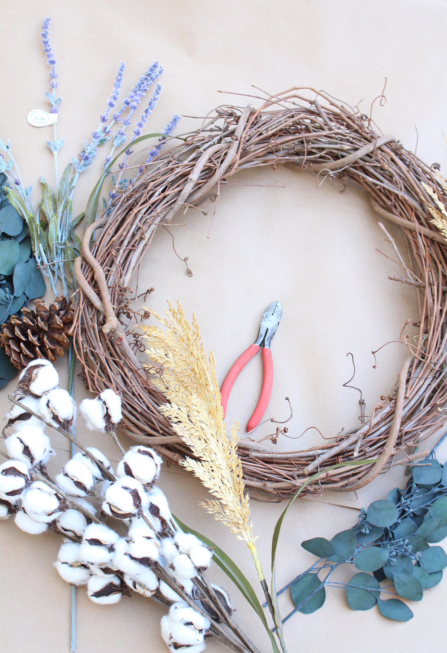 Raw cotton decor is beautiful, rustic, and cozy. Follow these steps for making a raw cotton Fall wreath