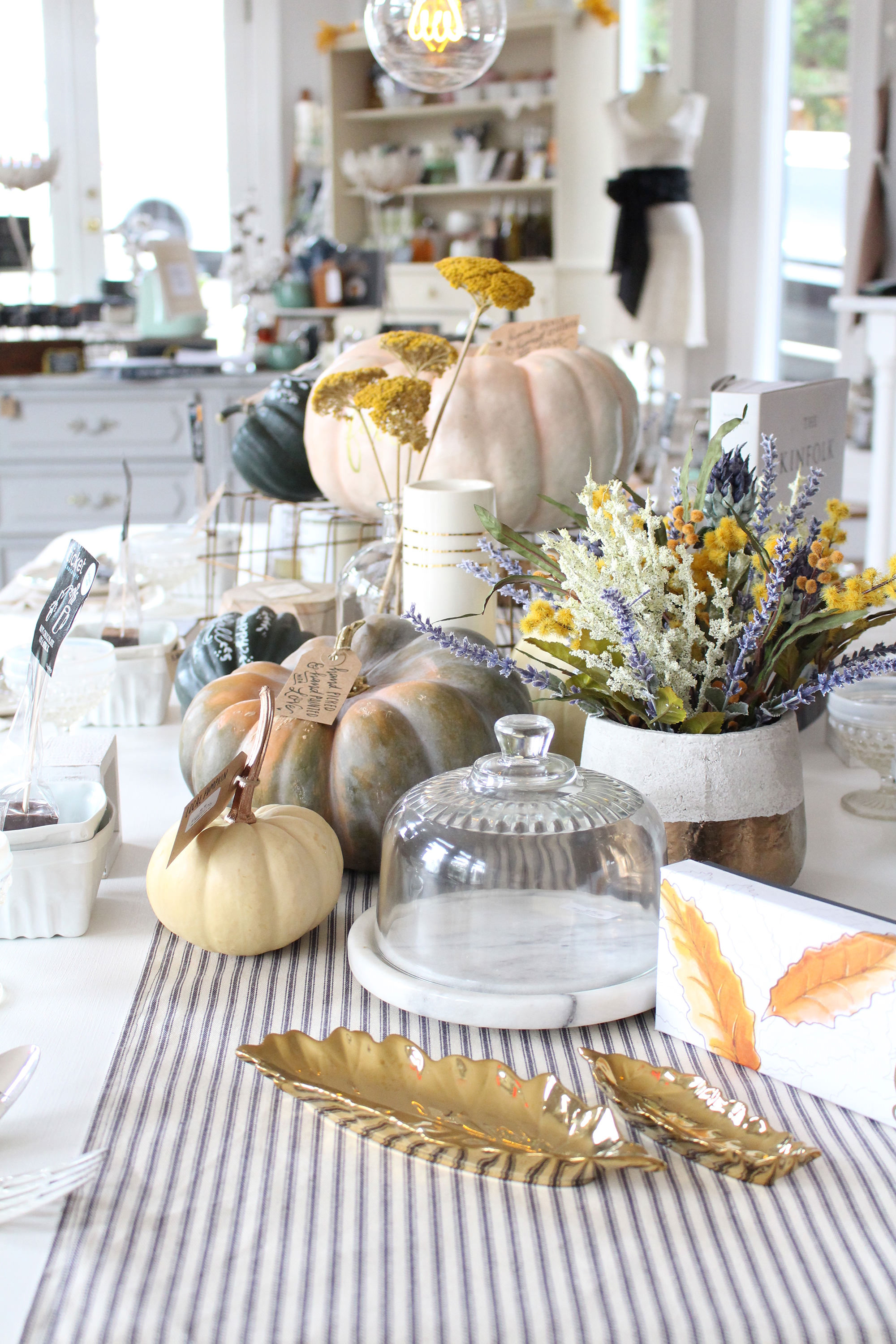Beautiful pumpkins and flower arrangements for fall. Fall decorating inspiration