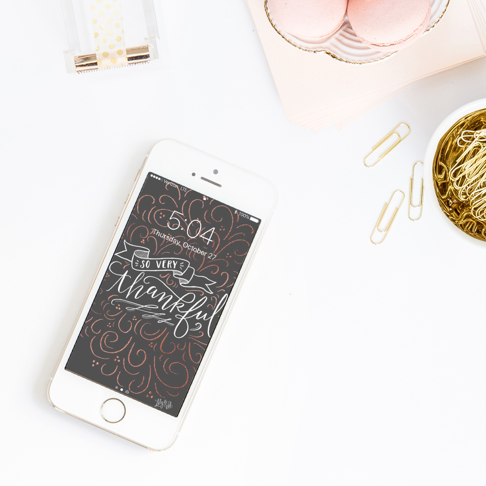 decorate your tech for November with Lily & Val free hand drawn wall paper