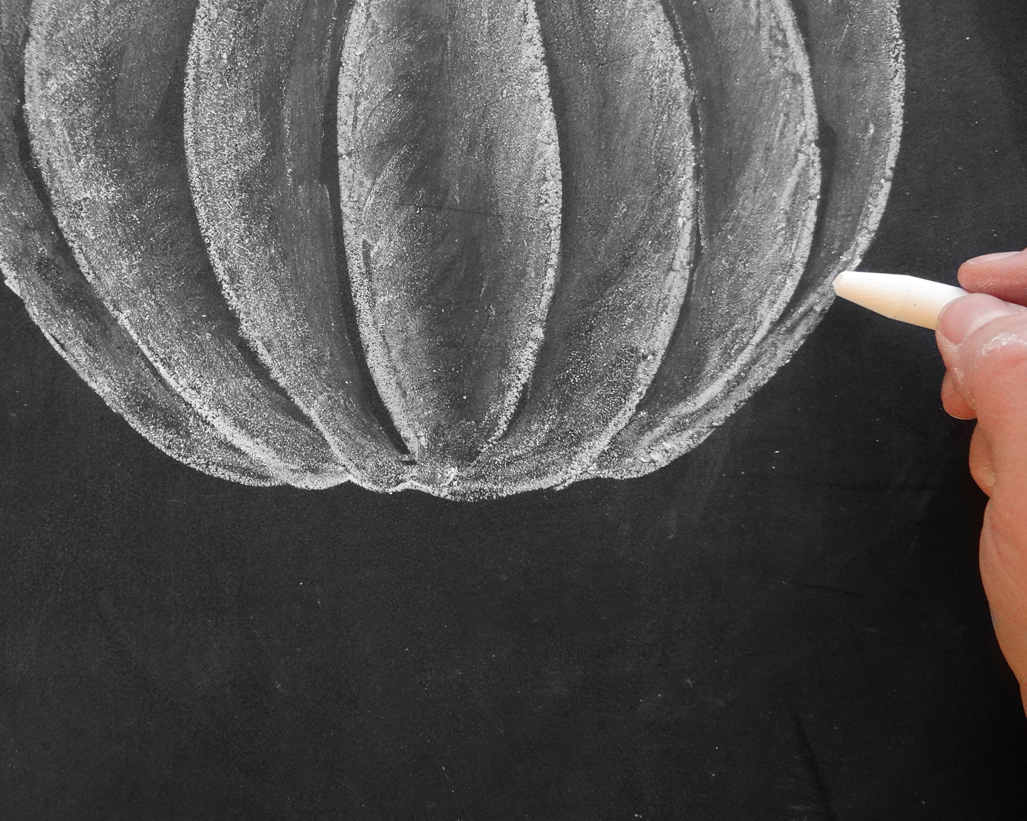 How to Draw a chalk pumpkin on Lily & Val Living