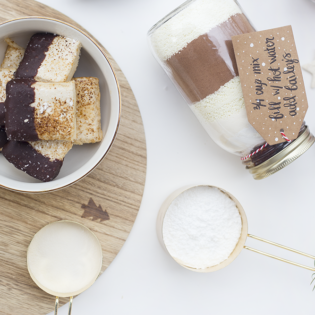 Last Minute Gift Idea: Creamy Hot Chocolate Mix