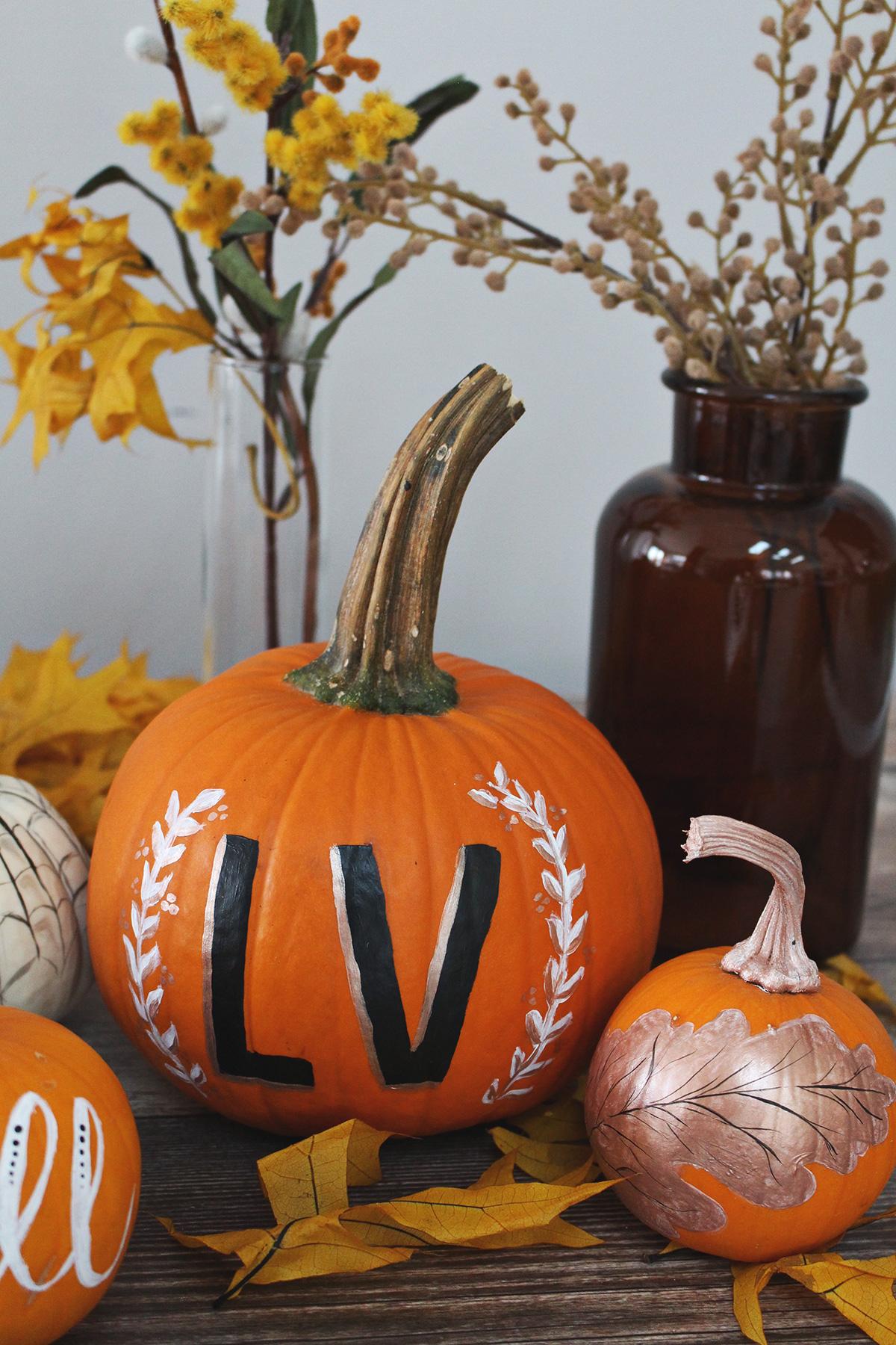 5 creative ideas for painting elegant pumpkins