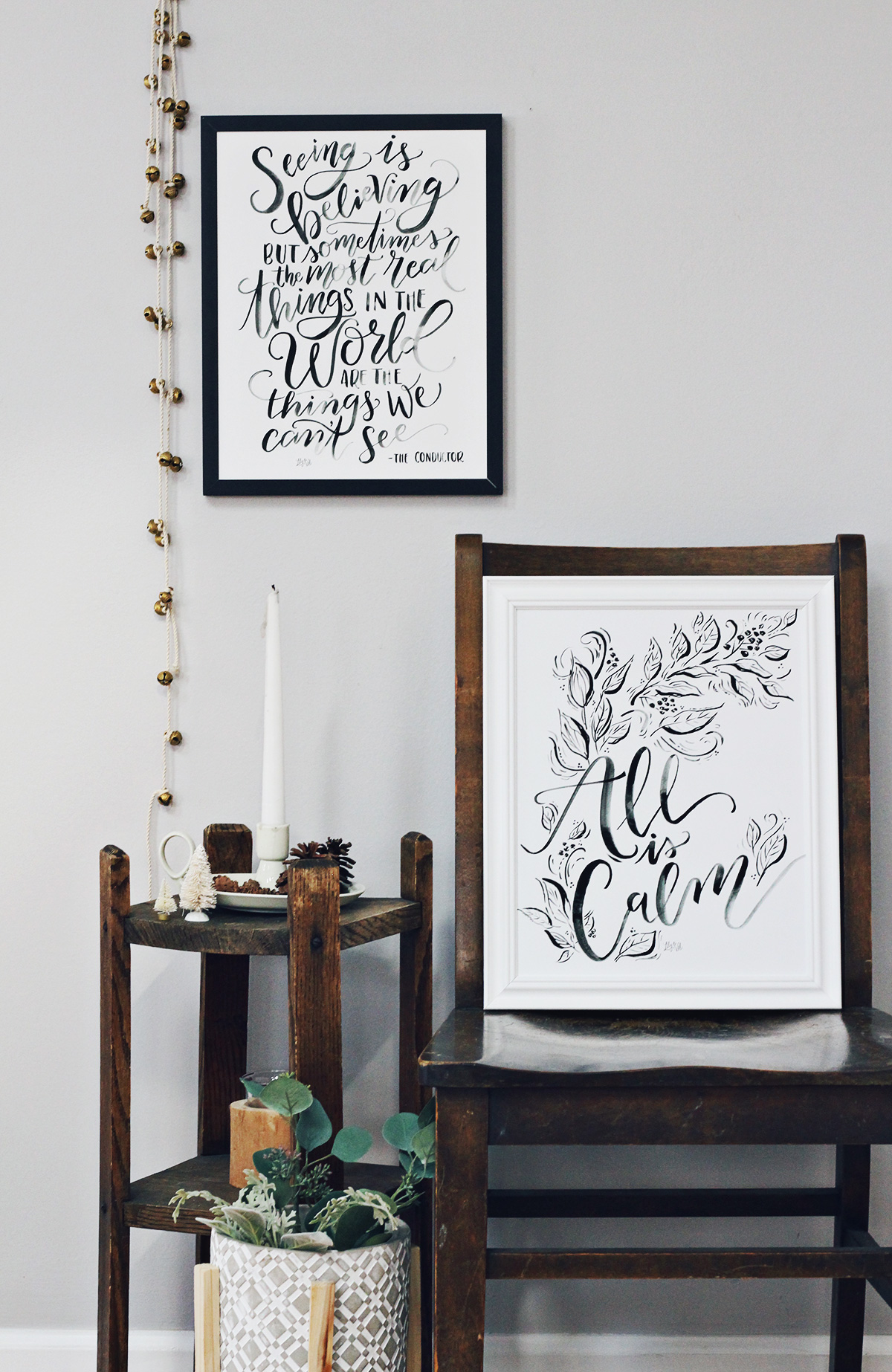 Black and white Christmas Decor for neutral, modern spaces this holiday season