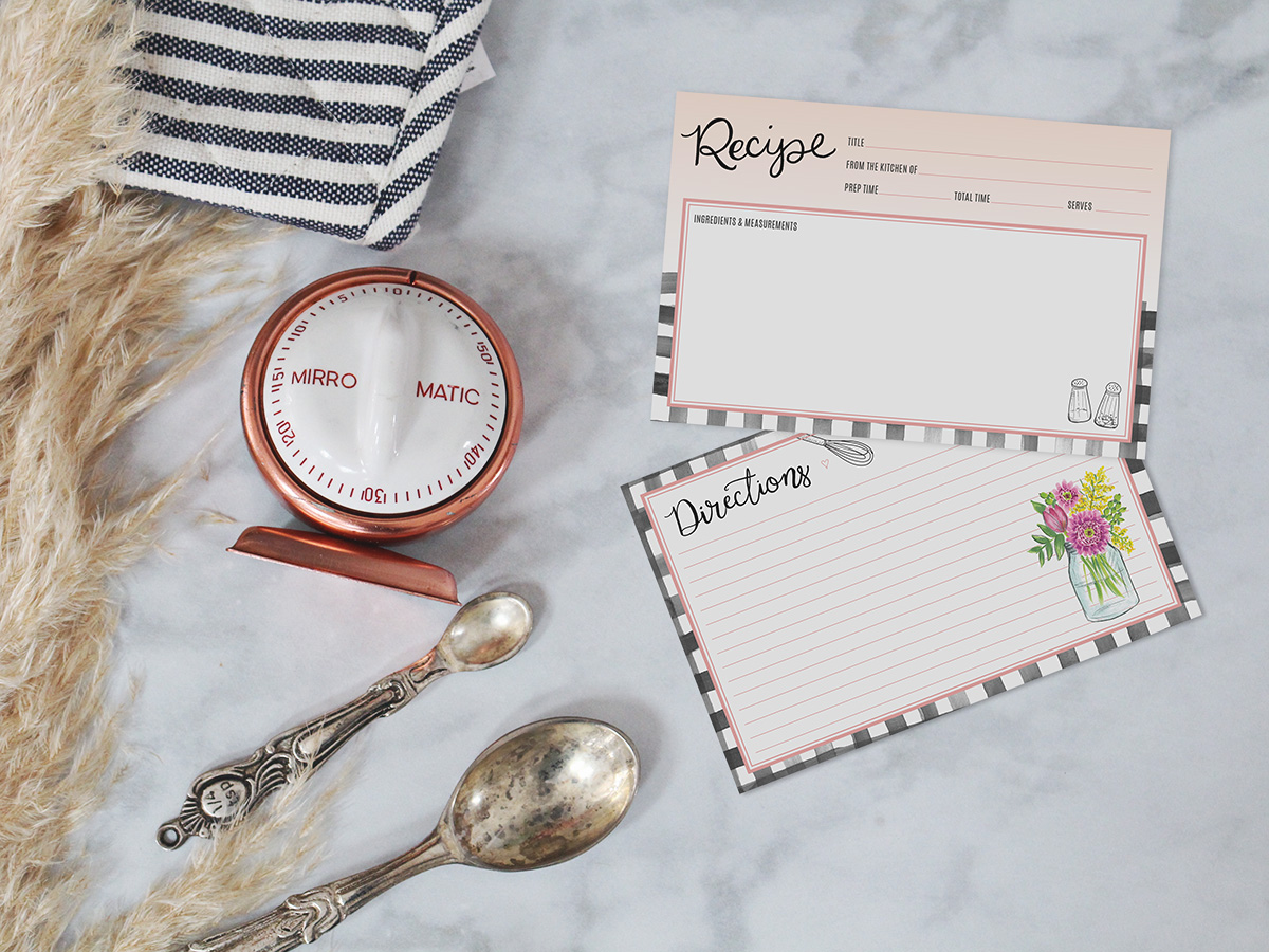 A farmhouse gingham loose recipe card for your favorite recipes