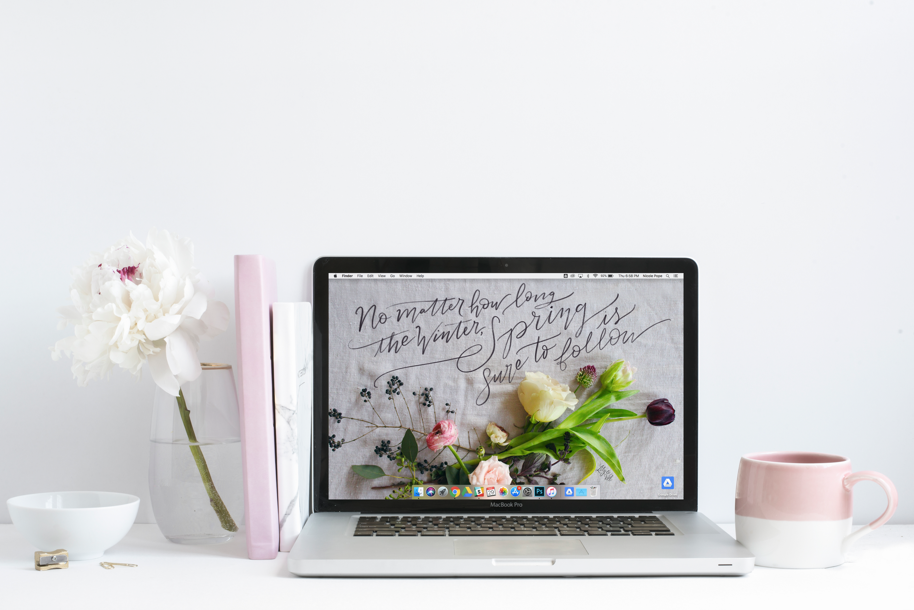 Free downloadable April Desktop background with hand-lettering and live flowers