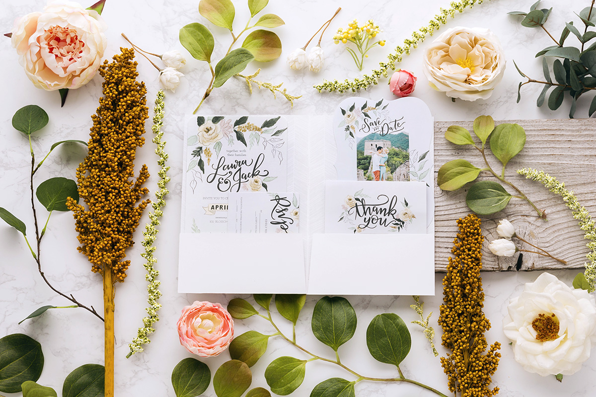 FREE Online Class! How to Design Your Wedding Invitations Using Mixbook Taught By Valerie McKeehan of Lily & Val