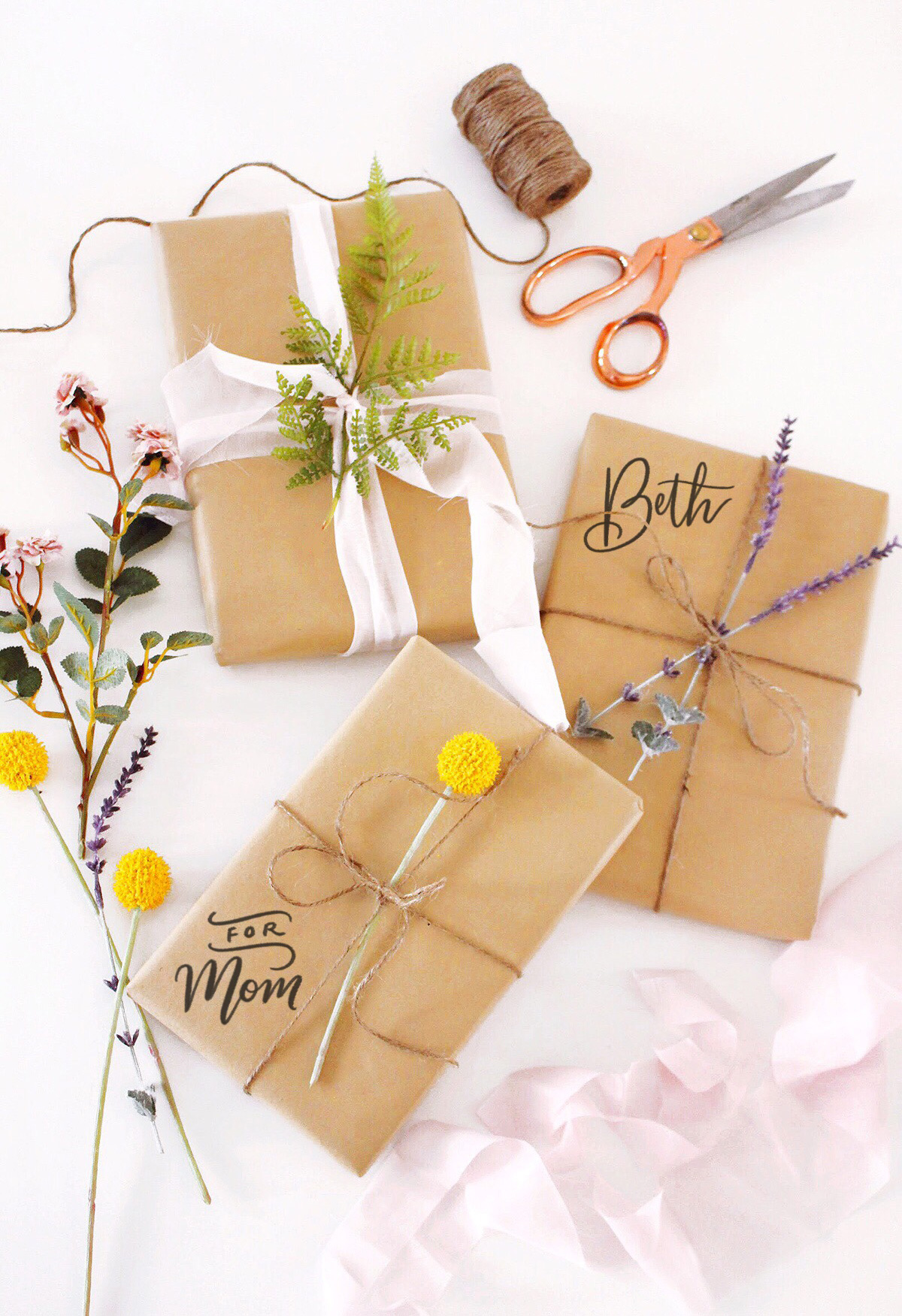 DIY Easy Spring Botanical Gift Wrap Idea