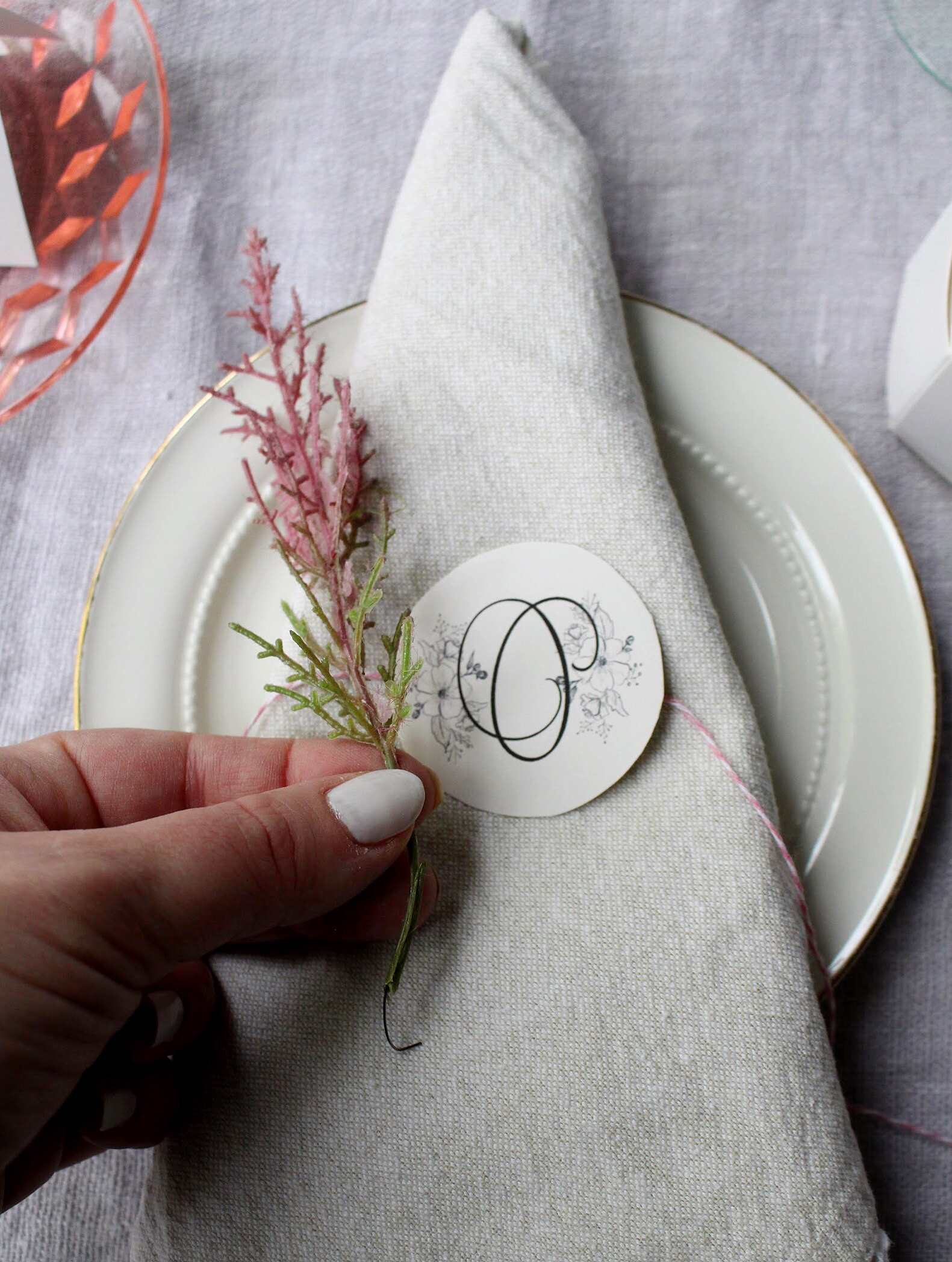 Use wedding printable downloads for your Mother's Day table Decor